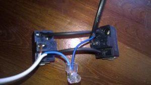 Schema Elettrico Per Accendere Una Lampada Con Due Interruttori : Accendere la luce da punti con deviatori casa elettrica